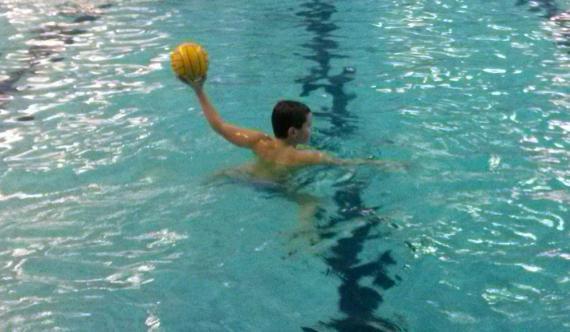 Škola vaterpola Swim Way se odrzava na bazenu Banjica i bazenu Kosutnjak.