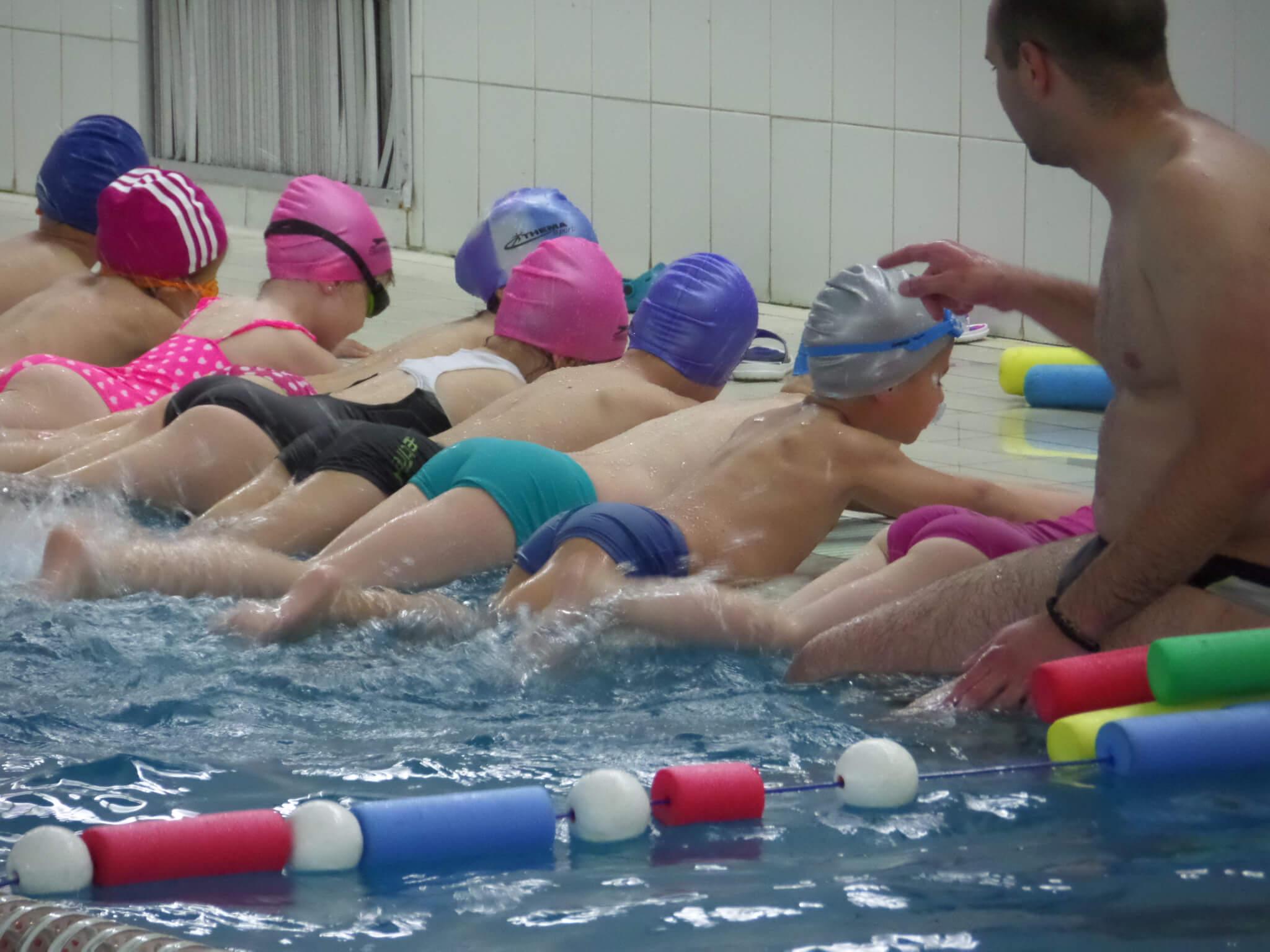 Kada je pravo doba za školu plivanja?